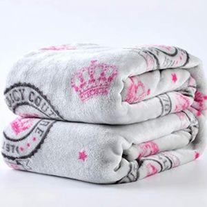JUICY COUTURE Signature Emblem Super Soft Fleece Throw Blanket